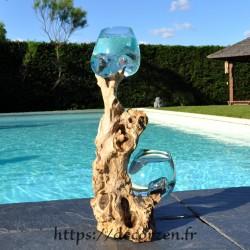 2 vases en verre recyclé soufflé en fusion directement sur du bois flotté. Le verre est amovible.