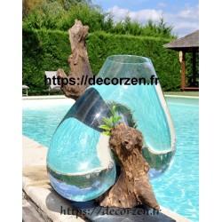 Gros vase en verre soufflé sur bois flotté de teck