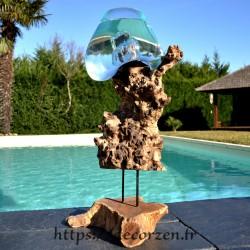 Aquarium ou gros vase en verre soufflé et coulé en fusion sur le bois, le verre est amovible