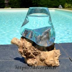 Verre à cocktail ou  vase en verre recyclé soufflé à la bouche en fusion sur du bois flotté, le vase est amovible