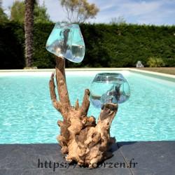 2 aquariums en verre recyclé soufflé en fusion directement sur du bois flotté, les vases sont amovibles