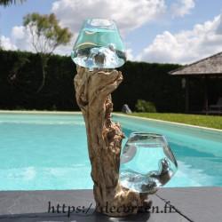2 aquariums en verre recyclé soufflé en fusion directement sur du bois flotté