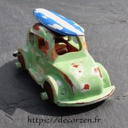 miniature de cox avec son surf sur le toit,  faite main en bois recyclé