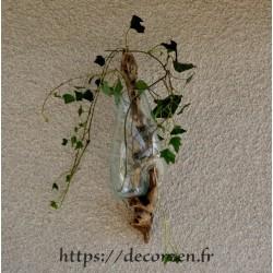 Vase ou aquarium en applique murale en verre recyclé moulé en fusion sur le bois