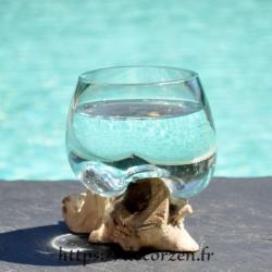 Verre à duo ou  vase en verre recyclé soufflé à la bouche en fusion sur du bois flotté, le vase est amovible