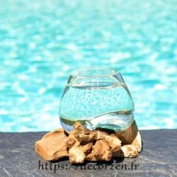Verre à digestif en verre recyclé soufflé en fusion sur du bois flotté, le verre est amovible