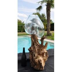 Aquarium atypique en verre souffle sur du bois