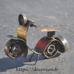 Miniature de scooter en métaux et roulements à billes recyclés