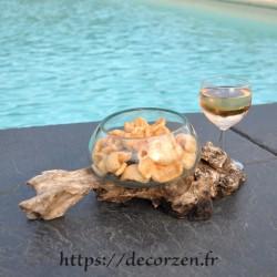 Terrarium, bonbonnière ou ramequin apéro en verre recyclé soufflé coulé en fusion sur du bois flotté.