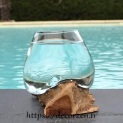 Superbe petit bol à cocktail en verre soufflé sur du bois flotté VS202.305