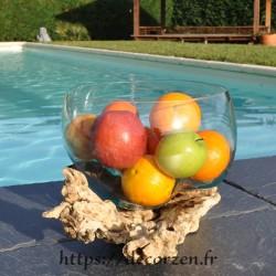 Terrarium, bonbonnière ou saladier à apéro en verre recyclé soufflé coulé en fusion sur du bois flotté.