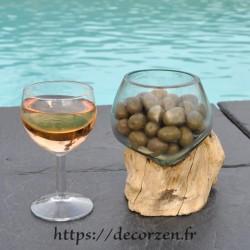 Terrarium ou ramequin apéro en verre recyclé soufflé en fusion sur du bois flotté.