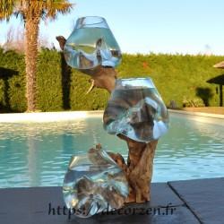 3 vases en verre recyclé soufflés et moulés en fusion directement sur du bois flotté