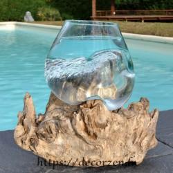 Verre à punch ou  vase en verre recyclé soufflé en fusion sur du bois flotté, le vase est amovible