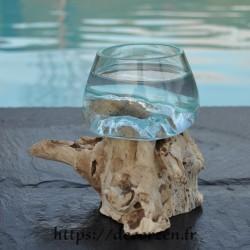 Terrarium ou ramequin apéro en verre recyclé soufflé en fusion sur du bois flotté. Le verre s'enlève pour le laver