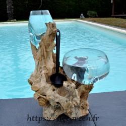 1 vase et 1 terrarium en verre recyclé soufflé à la bouche sur du bois flotté, les verres sont amovibles pour le lavage.