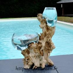 1 vase et 1 terrarium en verre recyclé soufflé en fusion directement sur du bois flotté