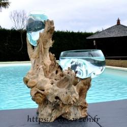 1 vase et 1 terrarium en verre recyclé soufflé en fusion directement sur du bois flotté, les verres sont amovibles