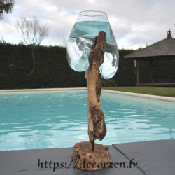 Aquarium ou gros vase en verre soufflé et coulé en fusion sur le bois, le verre est amovible pour le lavage