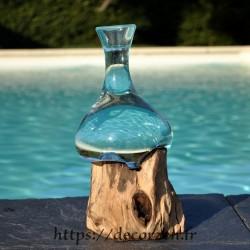 Soliflore, vase ou carafe à vin en verre recyclé soufflé et formé en fusion sur du bois flotté.