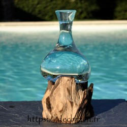 Soliflore, vase ou carafe à vin en verre recyclé soufflé et formé en fusion sur du bois flotté, le verre s'enlève pour le laver