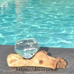 Verre à digestif en verre recyclé soufflé à la bouche en fusion sur du bois flotté, le verre passe au lave-vaisselle