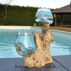 2 aquariums en verre recyclé soufflé en fusion directement sur du bois flotté, les verres sont amovibles pour les laver