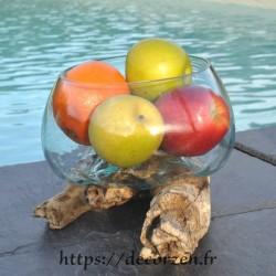 Terrarium, saladier ou ramequin en verre recyclé soufflé coulé en fusion sur du bois flotté.