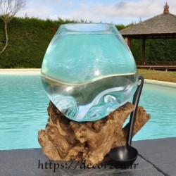 Aquarium ou gros bol à punch en verre recyclé soufflé en fusion sur du bois flotté, le vase est amovible pour le lavage.