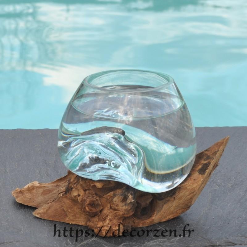 Verre à duo ou  vase en verre recyclé soufflé et coulé à la bouche en fusion sur du bois flotté, le vase est amovible
