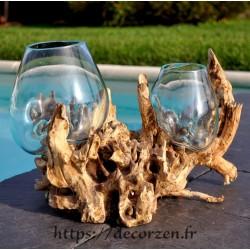 Double vase en verre souffle sur du bois