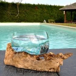 Corbeille à fruits ou ramequin en verre recyclé soufflé à la bouche en fusion sur du bois flotté.