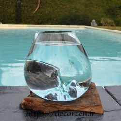 Bol à cocktail ou  vase en verre recyclé soufflé en fusion sur du bois flotté, le vase est amovible pour le lavage