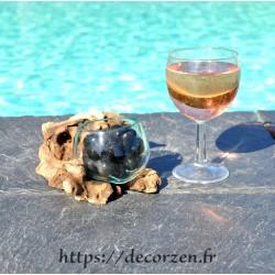Terrarium ou ramequin apéro en verre recyclé soufflé en fusion à la bouche sur du bois flotté.