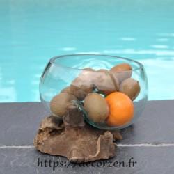 Terrarium, saladier ou ramequin en verre recyclé soufflé en fusion à la bouche sur du bois flotté.