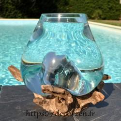 Aquarium ou énorme bol à punch en verre recyclé soufflé à la bouche en fusion sur du bois flotté, le vase est amovible