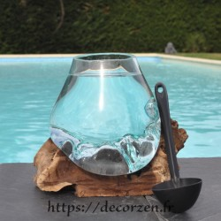 Bol à cocktail ou aquarium en verre recyclé soufflé en fusion sur du bois flotté, le vase est amovible pour le lavage