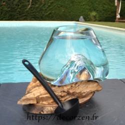 Bol à punch ou aquarium en verre recyclé soufflé en fusion sur du bois flotté, le vase est amovible pour le lavage