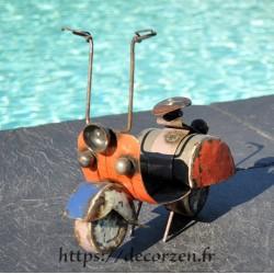 Scooter fer et acier en...