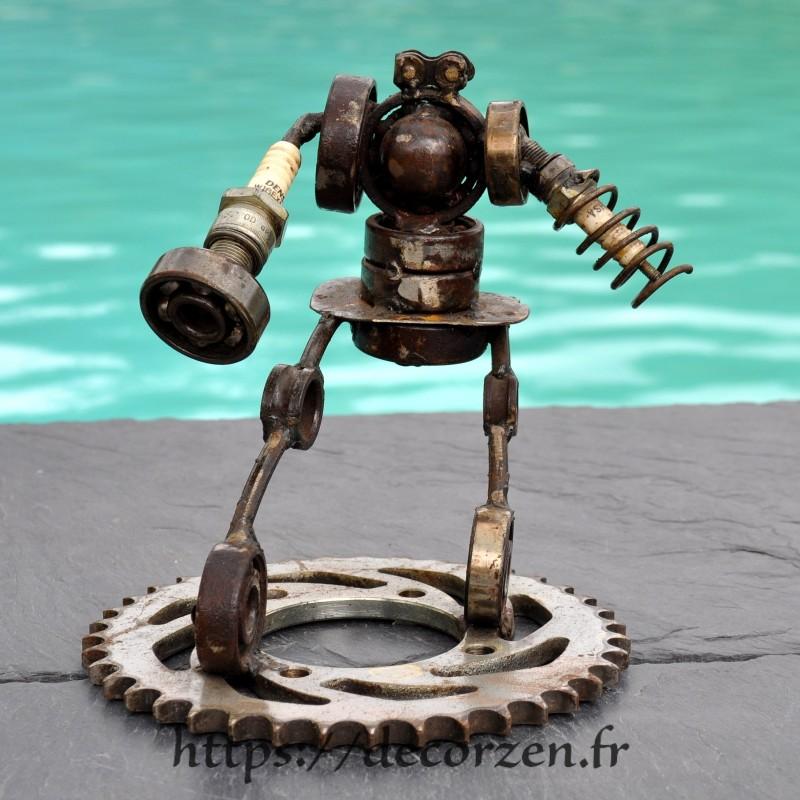 Robot la famille en pièces métalliques et fer recyclé dans le plus pur style déco industrielle