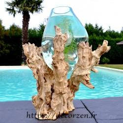 Vase, bol à punch ou aquarium en verre soufflé coulé en fusion sur du bois de teck flotté