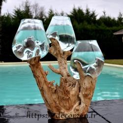 3 vases en verre recyclé soufflé en fusion directement sur du bois flotté
