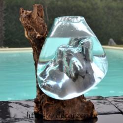 Aquarium ou bol à punch en verre recyclé soufflé en fusion sur du bois