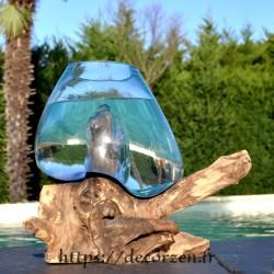 Aquarium ou bol à punch en verre recyclé fondu puis soufflé en fusion sur une racine de bois flotté