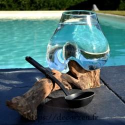 Petit aquarium ou vase en verre recyclé fondu et soufflé en fusion sur du bois, le vase est amovible.