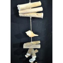 Guirlande en bois flotté et coquillages