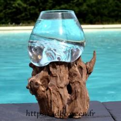Gros verre à duo ou vase en verre recyclé fondu et soufflé en fusion sur du bois