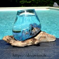 Verre à cocktail ou  vase en verre recyclé soufflé et moulé à la bouche en fusion sur du bois flotté, le vase est amovible