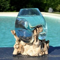 Petit aquarium ou  vase en verre recyclé soufflé et moulé à la bouche en fusion sur du bois flotté, le vase est amovible
