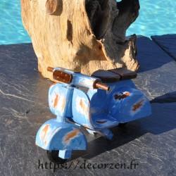 Miniature de scooter Lambretta en bois recyclé